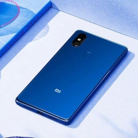 Điện thoại Xiaomi Mi 8 SE