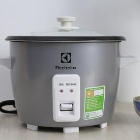 Nồi cơm điện Electrolux 1.8 lít ERC1800